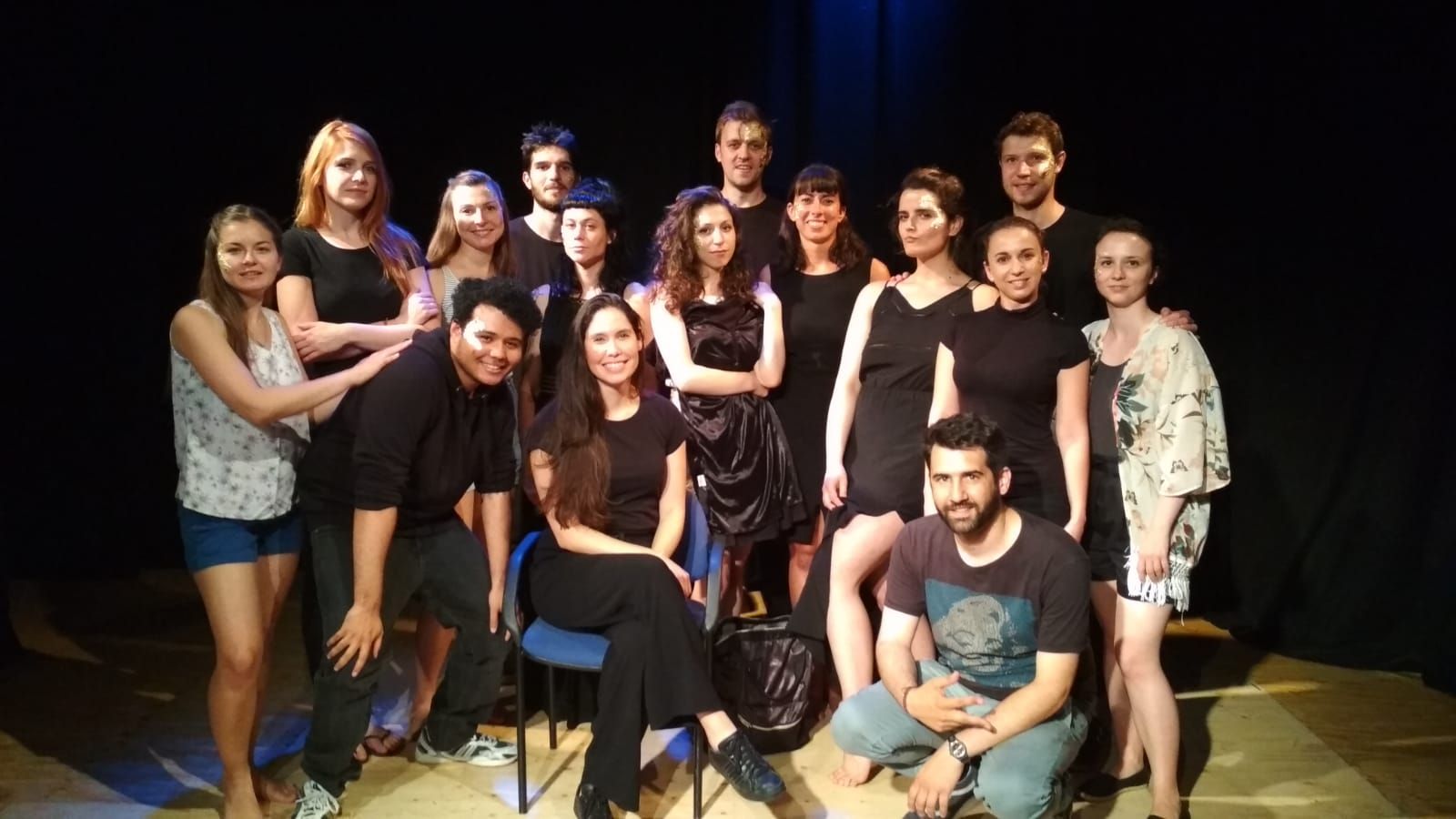 """Keeping up with the Greeks"" show. Group photo of the cast and team, fifteen people."